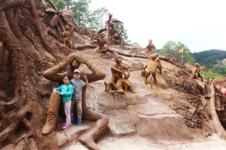 подземныи тоннель с глиняными скульптурами в далате hinh 3