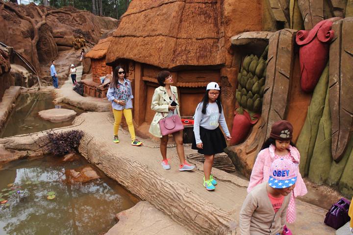 подземныи тоннель с глиняными скульптурами в далате hinh 7