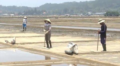 село по добыче соли шахуинь в провинции куангнгаи hinh 1