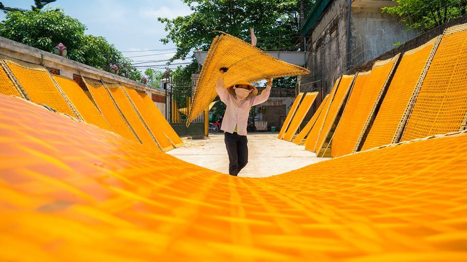 photo exhibition featuring memories of hanoi  hinh 14