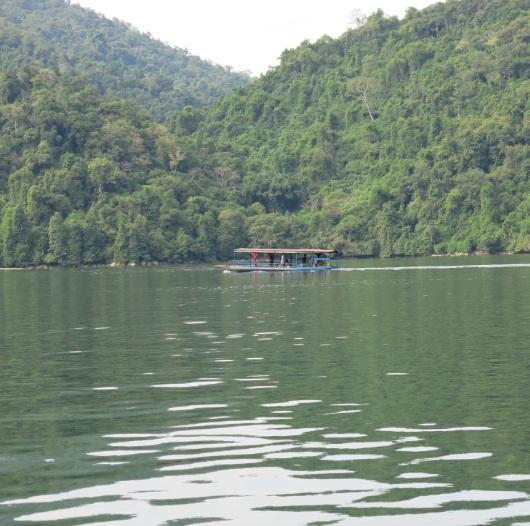 la beaute du lac de ba be hinh 2