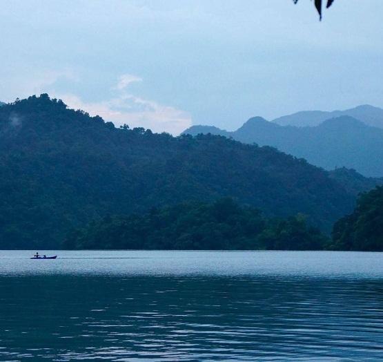 la beaute du lac de ba be hinh 6