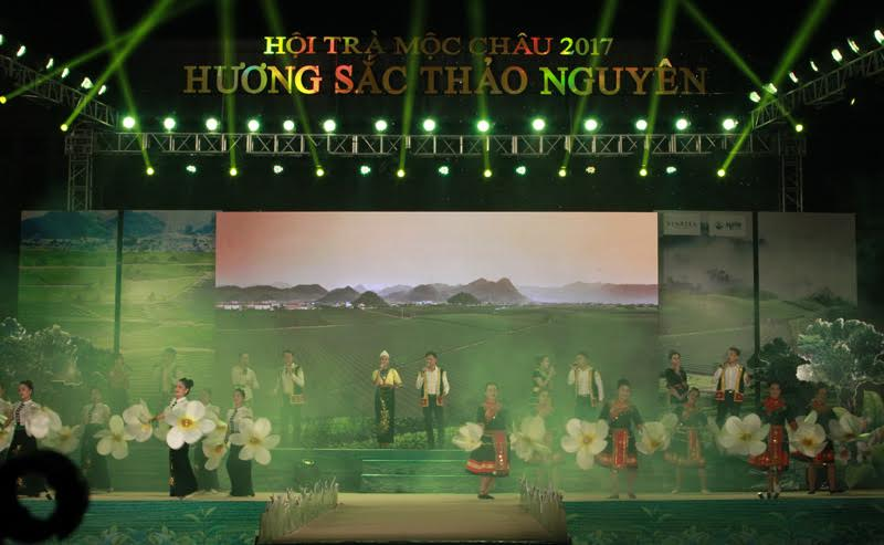 Tea Festival opens in Moc Chau