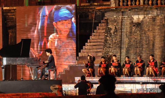 ouverture du festival de hue 2012 : une soiree culturelle splendide  hinh 9