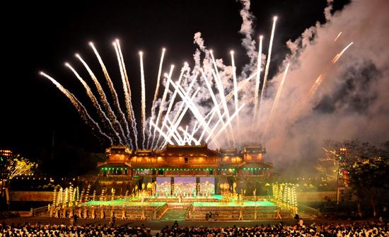 ouverture du festival de hue 2012 : une soiree culturelle splendide  hinh 0