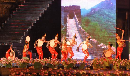 ouverture du festival de hue 2012 : une soiree culturelle splendide  hinh 12