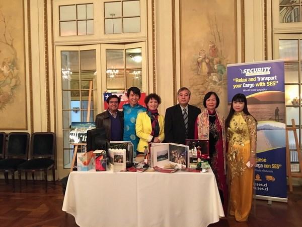 le vietnam a la foire d'information touristique de l'asean au chili hinh 0