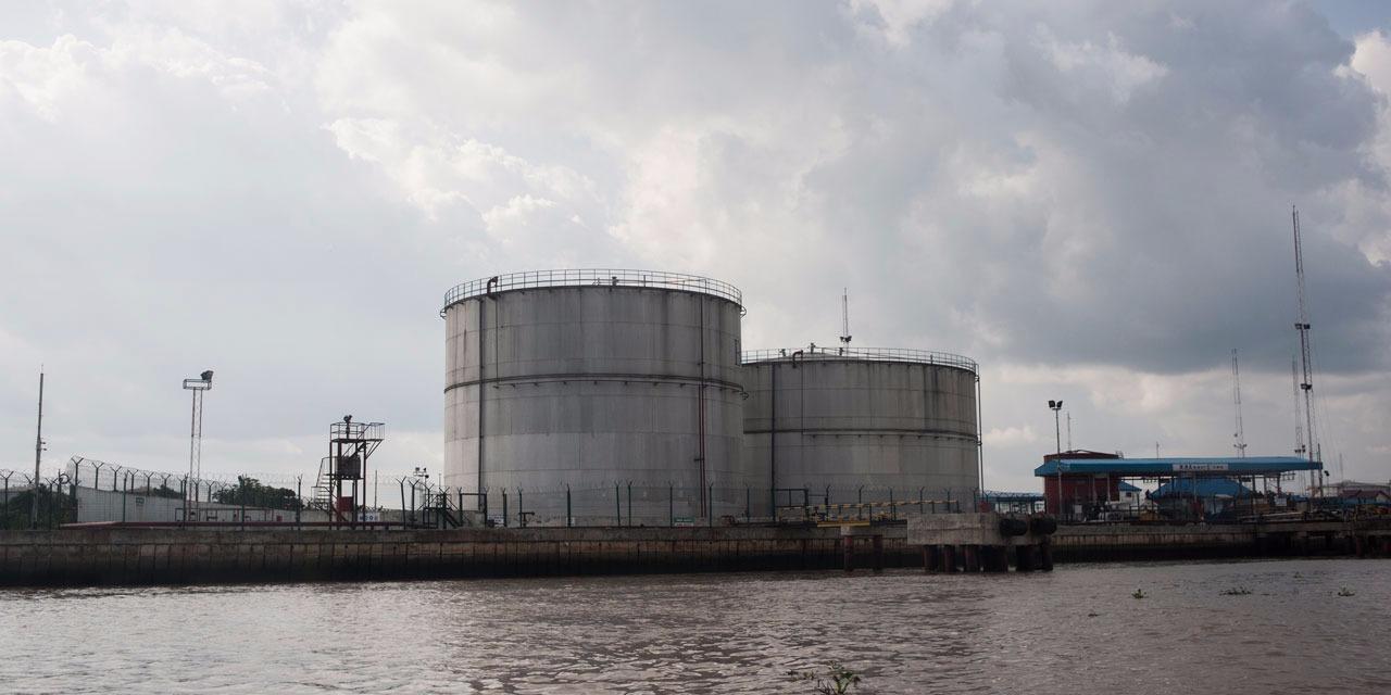 new york : le petrole depasse 50 dollars le baril pour la premiere fois depuis juin hinh 0