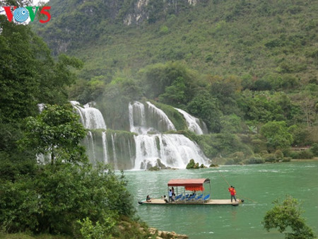 东南亚最大的天然瀑布——板约瀑布 hinh 13