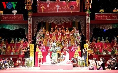 der glaube an muttergottinnen von vietnamesen: ehrung ewiger werte hinh 0