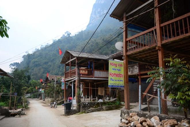das dorf pac ngoi beschaftigt sich mit homestay-tourismus hinh 1