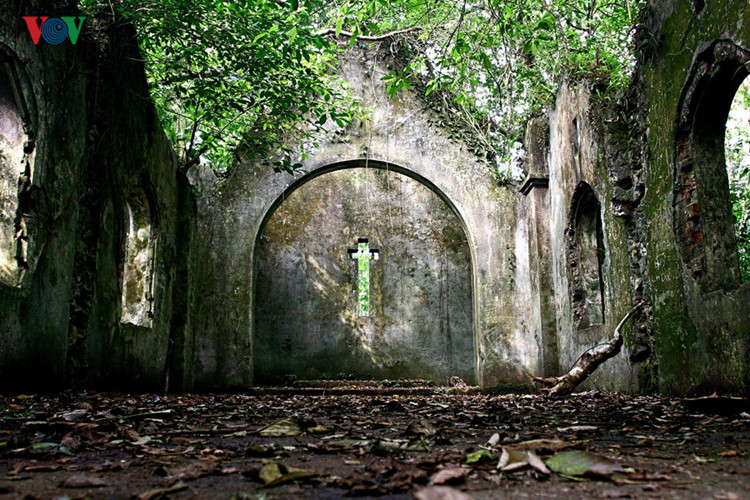 die einzigartige architektur der kirchen im ganzen land hinh 14