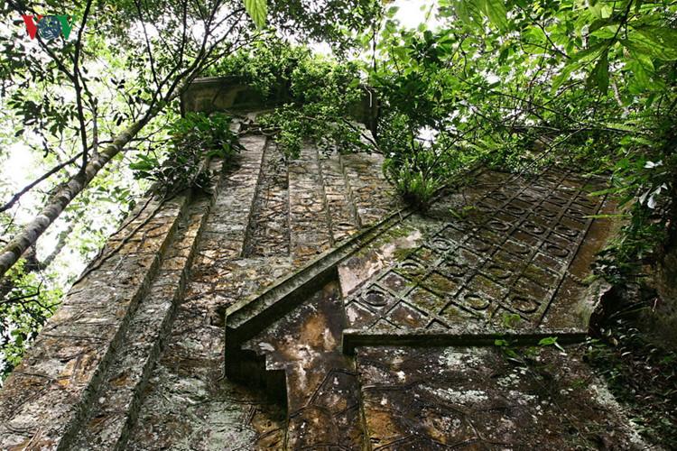 die einzigartige architektur der kirchen im ganzen land hinh 15