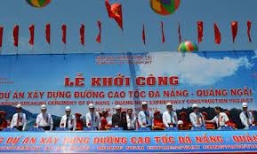 Deputy PM Nguyen Xuan Phuc launches the construction of Da nang – Quang Ngai expressway