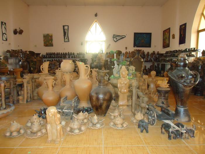 Production restructuring boosts new rural development in Bau Truc Pottery Village