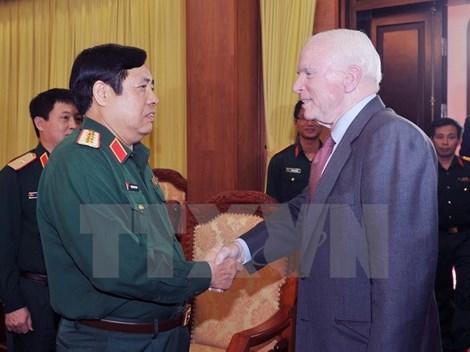 Delegation of US lawmakers welcomed in Vietnam