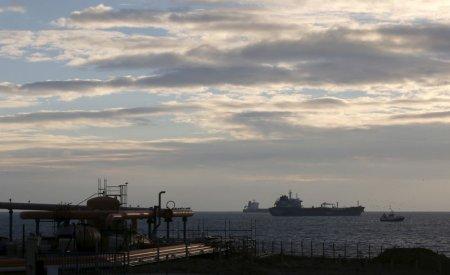 Economic scenarios set in face of oil price fall