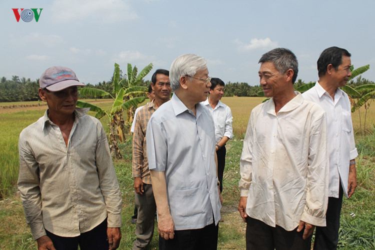 Party General Secretary Nguyen Phu Trong pays a working visit to Ben Tre province