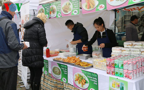 state of affairs for food in vietnam Vietnam is a priority country of seco's economic cooperation and development despite an overall positive economic development, vietnam's productivity growth remains slow.