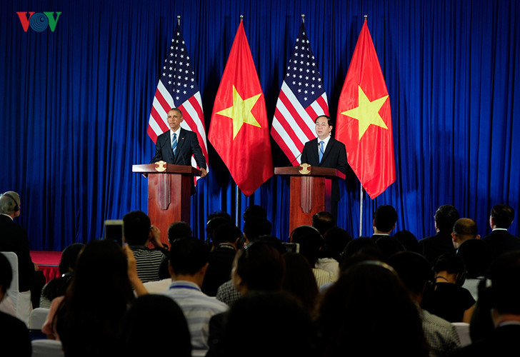 President Tran Dai Quang holds talks with US President Barack Obama