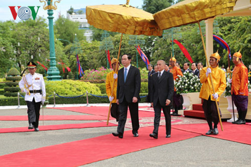 "Khmer Times: ""New milestone for Cambodia and Vietnam bilateral trade"""