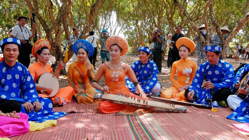 Amateur singing in Kien Giang province Discovery Vietnam