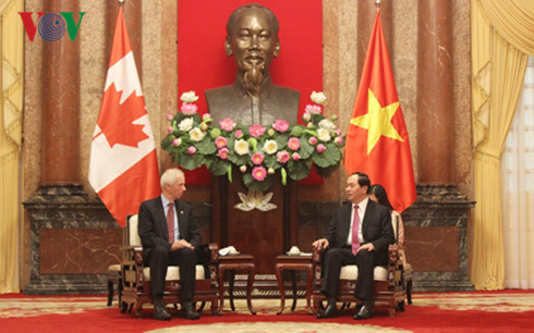 President Tran Dai Quang receives Canadian Foreign Minister Stephane Dion