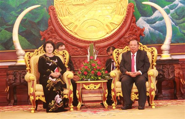 NA Chairwoman Nguyen Thi Kim Ngan meets Lao Party General Secretary and President