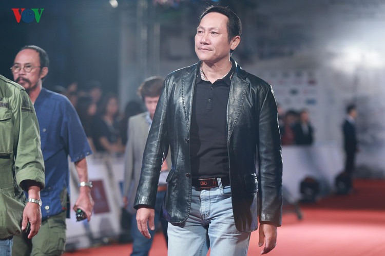 celebrities on haniff red carpet hinh 10