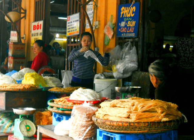 discovering hoi an food paradise market hinh 0
