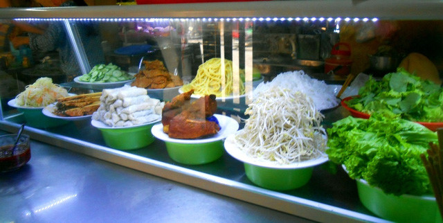 discovering hoi an food paradise market hinh 4