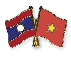 Prime Minister Nguyen Xuan Phuc receives Lao Deputy PM Sonsay Siphandone
