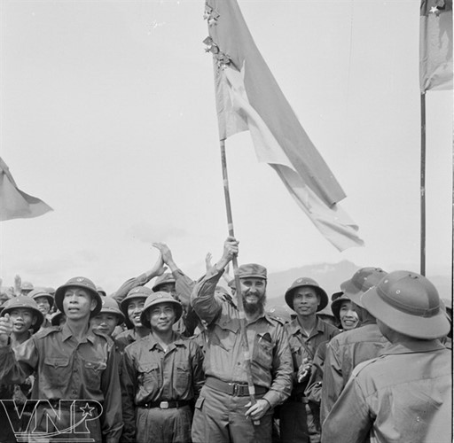 Cuba's revolutionary legend Fidel Castro in Vietnam during American war