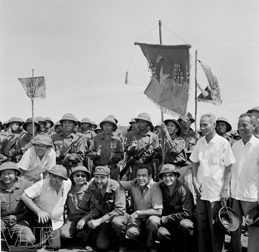 cuba's revolutionary legend fidel castro in vietnam during american war hinh 3