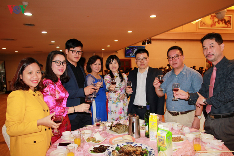 spring celebration for vietnamese in taiwan, china hinh 1