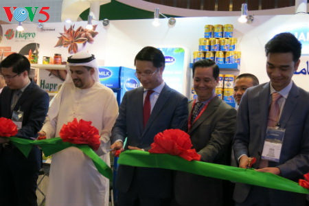 Promoting Vietnamese green farm produce at Gulfood Fair In Pictures