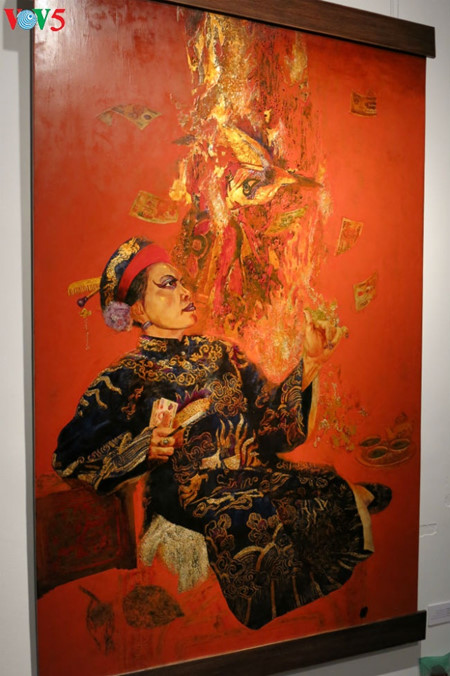 """going into a trance"" ritual depicted in tran tuan long's lacquer paintings  hinh 9"