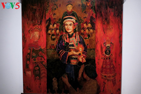 """going into a trance"" ritual depicted in tran tuan long's lacquer paintings  hinh 11"