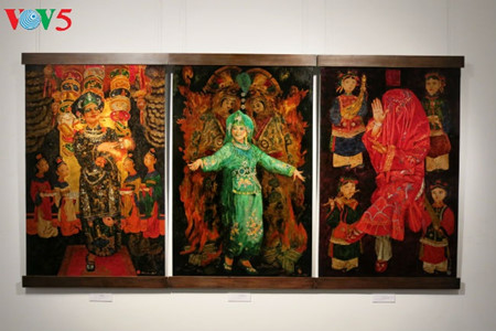 """going into a trance"" ritual depicted in tran tuan long's lacquer paintings  hinh 13"