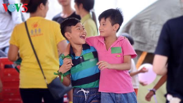 Vietnamese people celebrate International Happiness Day