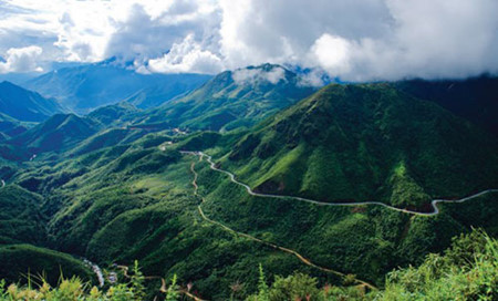 Legendary O Quy Ho pass in Vietnam's northwest