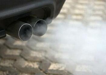 european parliament tightens car emission oversight hinh 0