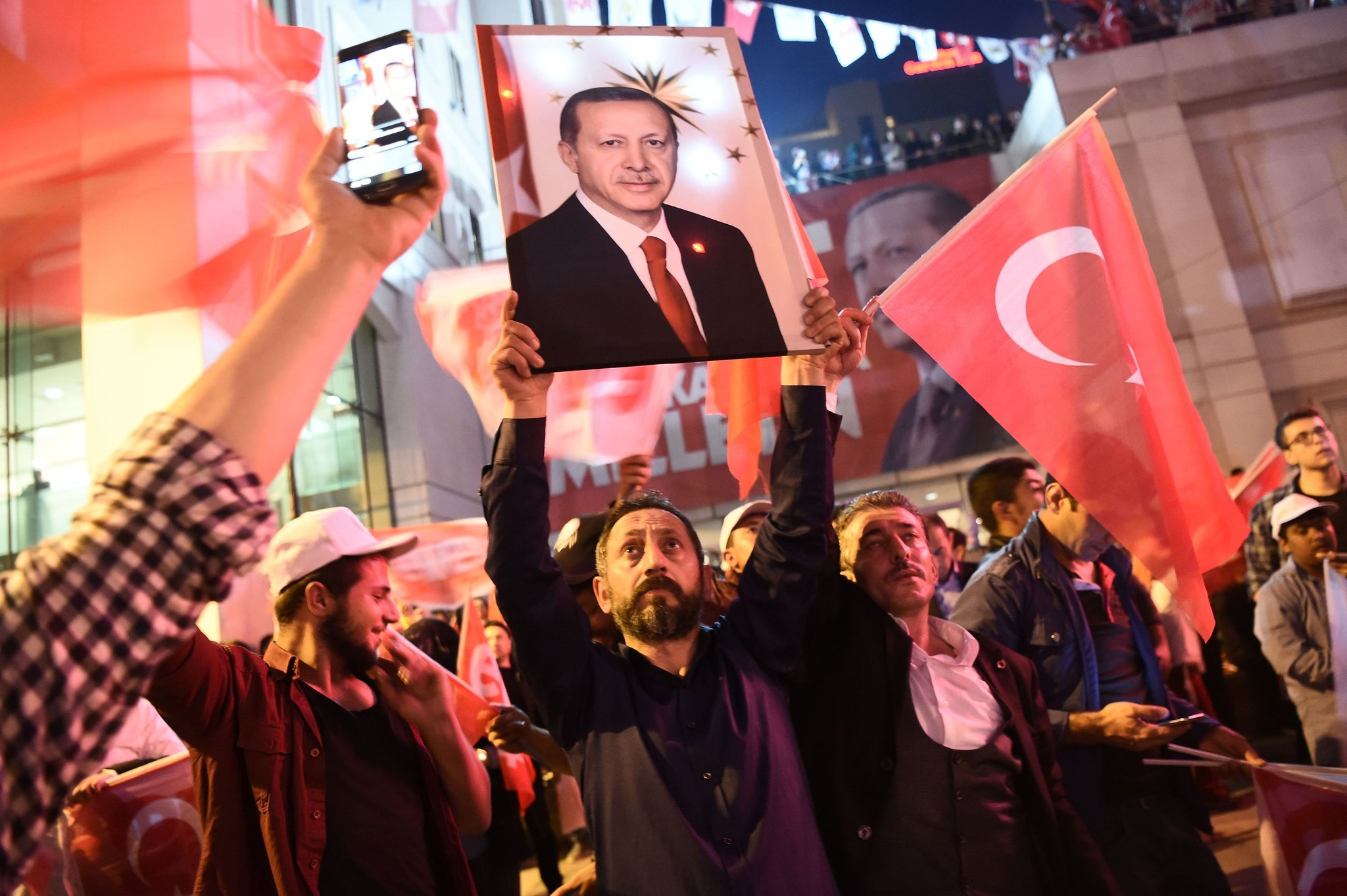 turkey faces difficulties post-referendum challenges hinh 0