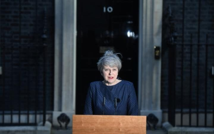 may's decision : uk early election hinh 0