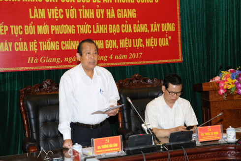 Deputy PM works with Ha Giang province on ethnic affairs