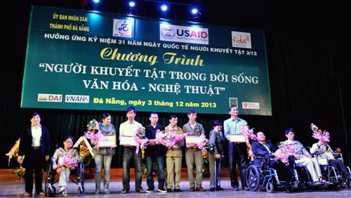 esfuerzos comunes para integrar a los discapacitados a la sociedad vietnamita hinh 1