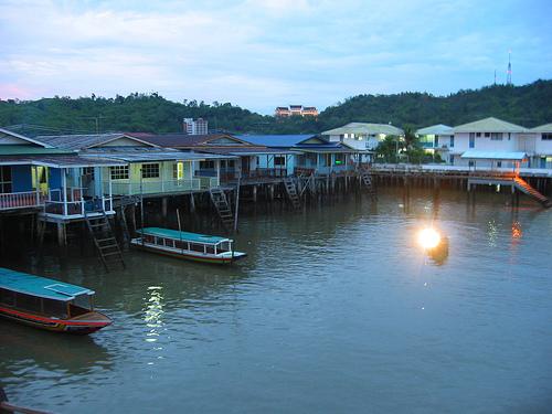 kampung  terapung kampong ayer- brunei darusalam. hinh 1