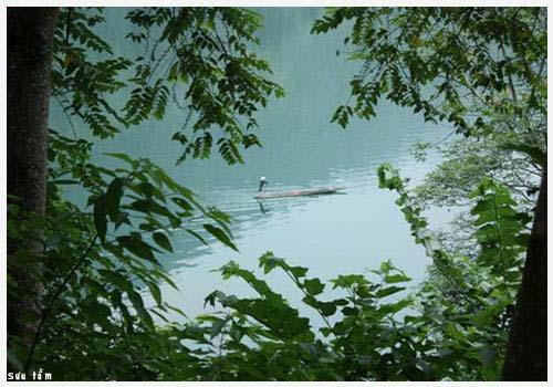pemandangan alam danau ba be di provinsi bac kan hinh 0