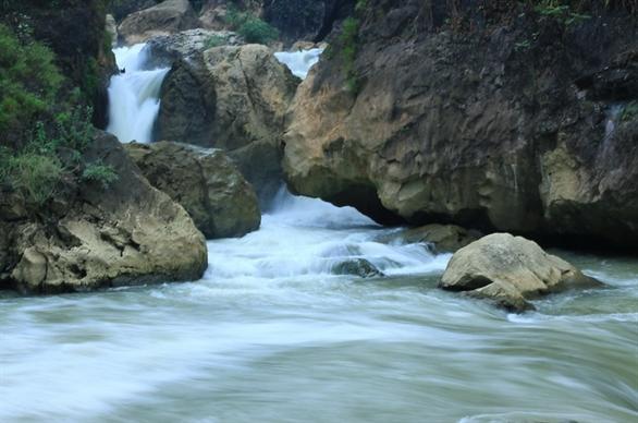 pemandangan alam danau ba be di provinsi bac kan hinh 3