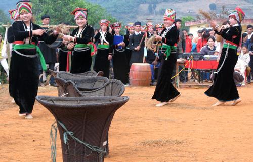 selar hutan pegunungan dalam kehidupan dan permusikan  warga etnis minoritas kho mu hinh 0